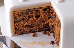 Christmas cake recipe – goodtoknow 3 large eggs plain flour butter, softened light muscovado sugar 1 tbsp ground mixed spice Pinch of salt jar of mincemeat dried mixed fruit 4 tbsp brandy round or square cake tin, lined with baking parchment … Easy Christmas Cake Recipe, Christmas Cakes, Dessert Cake Recipes, Desserts, Fudge, Square Cakes, Christmas Cooking, Savoury Cake, Cake Topper Banner