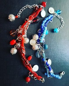 Wirred handmade bracelets with a lots of beads and charms. Handmade Bracelets, Red And Blue, Charms, Beads, Shopping, Jewelry, Instagram, Beading, Jewlery