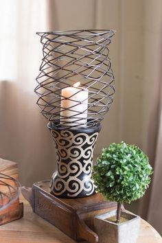 Kalalou Wild Wire Hurricane With Black And White Clay Base