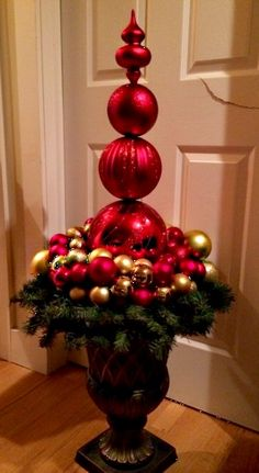Stacked ornament topiary