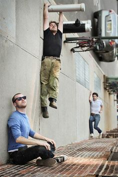 http://designmodo.com/40-examples-of-forced-perspective-photography/