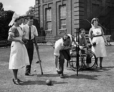 Great-Britain, undated,Second World War Rehab patients & nurses