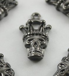 10 pcs.Zinc Gunmetal King Skeleton King Skull by 18StudsandSpikes