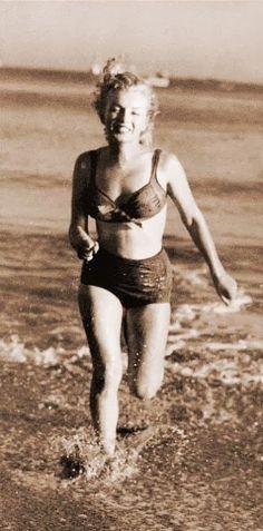 Marilyn Monroe - Photo by Laszlo Willinger - @~ Mlle
