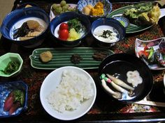 Vegetarian Japan: A guide to vegetarian food in Japan (w/ vocab, dishes)
