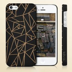 Design meets timber wood. Our cases are made from genuine wood color coated forstrength and will upgrade your phone in an instant.  Link to the cases in bio and here: http://amzn.kalibri.de/splitter  #newin #hülle #kalibri #iphone #iphone6 #iphone5 #iphone7 #iphonese #galaxys5 #berlin #minimalism #design #style #woodencase #inspiration #smartphone #ultraslim #triangle #pure #blogger #mobileaccessories #iphonecase