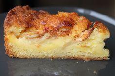 Den ble ihvertfall veldig god,laget med skikkelig syrlige epler fra hagen,og søt vaniljekrem inni...