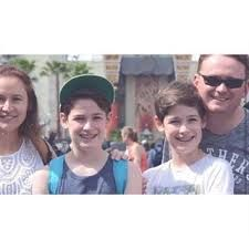 Max and Harvey with parents, Sara and Paul Mills. Max Mills, Harvey Mills, 13 Year Olds, Forever Love, Heart Eyes, Hot Boys, Boys Who, Bff, Twins
