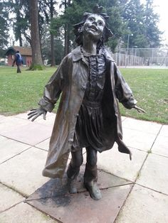 """Ramona"" at the Beverly Cleary Sculpture Garden – Portland, Oregon - Atlas Obscura"