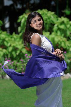 Chanderi Silk Saree, Organza Saree, Saree Draping Styles, Saree Styles, Farewell Sarees, Modern Saree, Embroidery Saree, Casual Saree, Elegant Saree