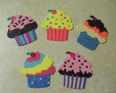 Loved these things! Cupcakes hama perler by ColorKlick Perler Beads, Hamma Beads 3d, Perler Bead Art, Fuse Beads, Melty Bead Patterns, Pearler Bead Patterns, Perler Patterns, Beading Patterns, Embroidery Patterns