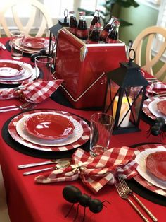 hottest christmas table decorating ideas for you 10 Gingerbread Christmas Decor, Christmas Tea, Christmas Crafts, Picnic Decorations, Decoration Table, Christmas Tablescapes, Christmas Decorations, Holiday Tablescape, Dinner Table