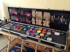 Gill George custom #facepaint case using a guitar case