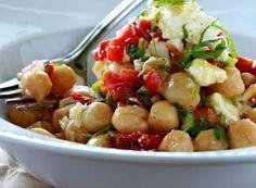GoodFood: Σαλατα με Ρεβυθια Ντοματα και Φετα Kung Pao Chicken, Potato Salad, Potatoes, Cooking Recipes, Ethnic Recipes, Food, Salads, Potato, Chef Recipes