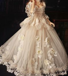 The Bridal Fashion Week for 2020 has come and gone, and it did not disappoint. If you love the classic style of Audrey Hepburn and other mid-century classic Ball Gowns Evening, Ball Gowns Prom, Ball Gown Dresses, Pretty Dresses, Beautiful Dresses, Elegant Dresses, Fairytale Dress, Princess Fairytale, Fairytale Cottage