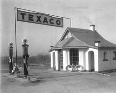 Two-pump Texaco gas station in the boondocks... (vintage photo)
