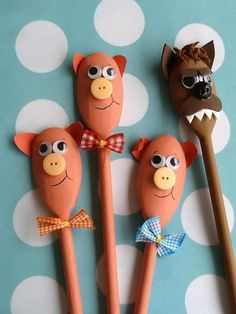 Three Little Pigs spoon puppets. Wooden Spoon Crafts, Wooden Spoons, Puppets For Kids, Crafts For Kids, Arts And Crafts, Spoon Art, Puppet Crafts, Three Little Pigs, Toddler Fun