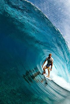 surfing Mick Fanning, such an amazing surfer