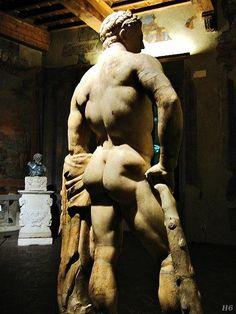Hercules. 5th.century. B.C. Roman Museo Nazionale Romano, Rome.