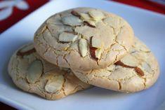 Αμυγδαλωτά … Amygdalota: Greek Almond Cookies Makes 2 dozen cookies 1 can grams) almond paste 1 cups (about 175 gr.) ground almonds 5 tablespoons all-purpose flour Almond Paste Cookies, Greek Cookies, Almond Meal Cookies, Italian Cookies, Yummy Cookies, Pistachio Cookies, Greek Desserts, Cookie Desserts, Greek Recipes