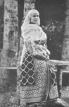 Elisabeth of Romania Folk Costume, Costumes, Romanian Royal Family, Elisabeth I, Auld Lang Syne, Court Dresses, Royal Weddings, Ottoman Empire, Royalty