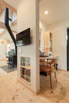 キッチンとサニタリーの間に設けられた便利な家事コーナー。壁のおかげで、リビングからの見た目もスッキリ。