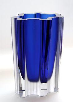 Art Glass Vase by Tapio Wirkkala - Vintage Finnish Glass Cobalt Glass, Cobalt Blue, Cheap Vases, Antique Glassware, Pots, Glass Ceramic, Glass Collection, Ceramic Artists, Glass Design