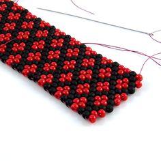 Bracelet with a pepitka - Peyote stitch pattern - - Peyote Stitch Patterns, Beaded Bracelet Patterns, Beading Patterns, Beaded Bracelets, Seed Bead Jewelry, Beaded Jewelry, Art Perle, Beadwork Designs, Peyote Beading