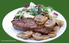 Gourmet Girl Cooks: Grilled Steak & Salad - 15-minute Low Carb Meal