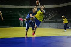 Fotografie Photos Google, Gym Equipment, Basketball Court, Exercise, Sports, Ejercicio, Hs Sports, Excercise, Work Outs