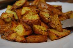 Rezept: Bratkartoffeln - eines meiner Lieblingsgerichte im Winter.   I really love fried potatoes. Here's a simple recipe: http://www.mitmilch.at/pixi/archives/1916