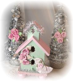 painted+Victorian.+Birdhouses   BIRDHOUSE Shabby Cottage Hand Painted Pink/Victorian Green Polymer ...