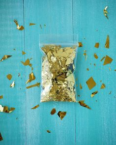 Gold Confetti Shredded: Twinkle, golden and glam up your life!.