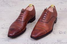 Ungepflegte Schuhe
