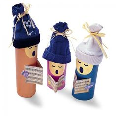 carolers: a festive way to upcycle cardboard tubes during the holidays.