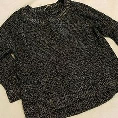 I just added this to my closet on Poshmark: Banana Republic crop sweater size M. Price: $5 Size: M
