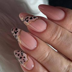 simple spring nail designs for short nails and long nails 8 Leopard Nails, Pink Nails, Gel Nails, Nail Polish, Shellac, Manicures, Coffin Nails, Minimalist Nails, Gorgeous Nails
