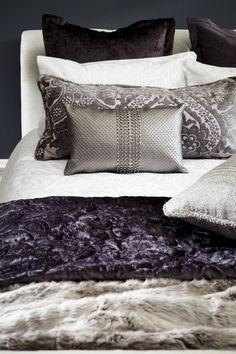 Deep and flightful Dream Bedroom, Master Bedroom, Master Suite, Lavender Room, Bedclothes, Bedroom Styles, Bedroom Ideas, Gamer Room, Beautiful Bedrooms