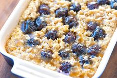Blackberry Baked Oatmeal with Caramel Sauce: Learn how to make oatmeal with blackberries for a delicious breakfast meal! Make Ahead Oatmeal, The Oatmeal, Baked Oatmeal Recipes, Caramel Recipes, Baked Oats, Great Recipes, Favorite Recipes, Breakfast Recipes, Breakfast Casserole