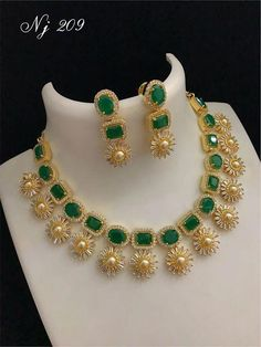 How Sell Gold Jewelry Real Gold Jewelry, Gold Jewelry Simple, Gold Jewellery Design, Emerald Jewelry, Beaded Jewelry, Indian Jewelry, Diamond Jewelry, Waist Jewelry, Emerald Necklace