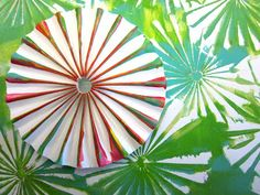 Gelli® Printing with Folded Paper!! Such cool effects can be achieved in Gelli® printing using a simple piece of folded paper. Watch this video to see the interesting mark-making possibilities with accordion folded paper!