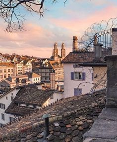 Zürich Tourism (@visitzurich) • Panoramic view from Lindenhof Zurich, Travel Abroad, Paris Skyline, Tourism, Weather, Mansions, House Styles, Building, Traveling