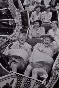 Tomara sempre tivéssemos a capacidade de nos divertir com as amigas, sem importar mais nada!