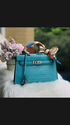 Facial Sunscreen, Women Bags, Fall Trends, Clothing Accessories, Hermes Kelly, Cute Wallpapers, Gifts For Her, Glamour, Handbags