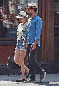 Diane Kruger and Joshua Jackson Leaves the Bowery Hotel - Pictures - Zimbio