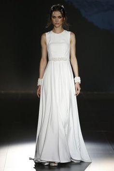 Minimalistische Brautkleider 2016: So zeigen Sie, wie bezaubernd einfache Brautmode sein kann! Image: 27