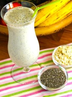 Licuado de banana avena y semillas de chía Healthy Juices, Healthy Smoothies, Healthy Drinks, Healthy Tips, Smoothie Recipes, Healthy Eating, Vegan Recipes, Cooking Recipes, Healthy Shakes