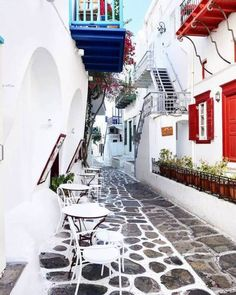 There is beauty in uniqueness 🇬🇷 📍island of Mykonos (Μύκονος)