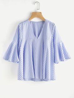 Blusa de rayas con cuello en V de manga acampanada