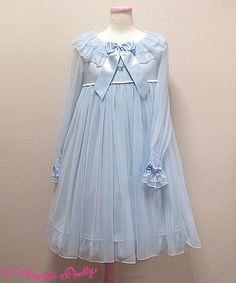 Lace Market is the largest online marketplace for EGL (Elegant Gothic Lolita) Fashion. Sell and buy Lolita dresses, skirts, accessories and more with thousands of users around the world! Funky Outfits, Girl Outfits, Cute Outfits, Kawaii Dress, Kawaii Clothes, Kawaii Fashion, Cute Fashion, Frilly Dresses, Girls Dresses